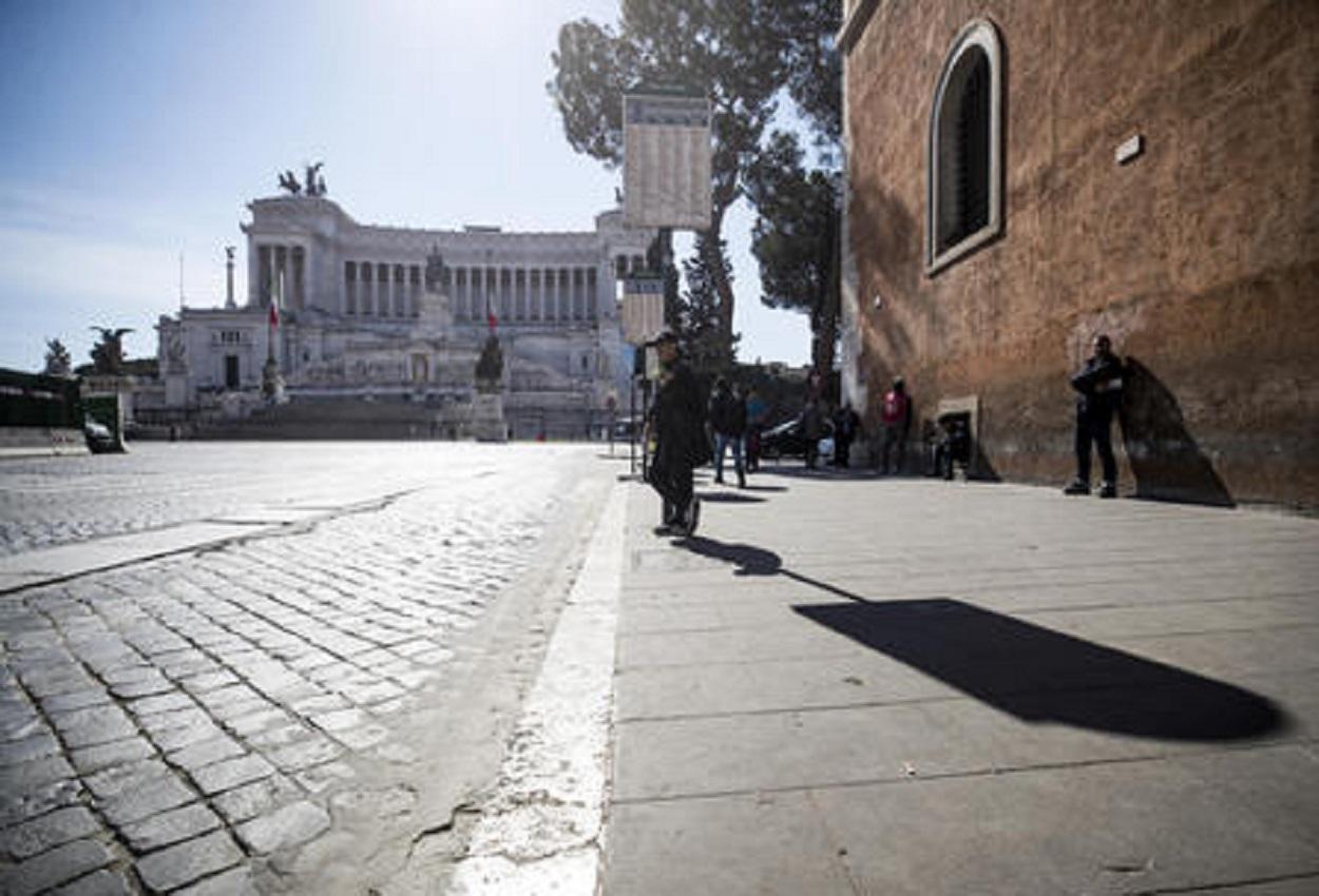 Coronavirus, a Roma si studiano moduli anti assembramento