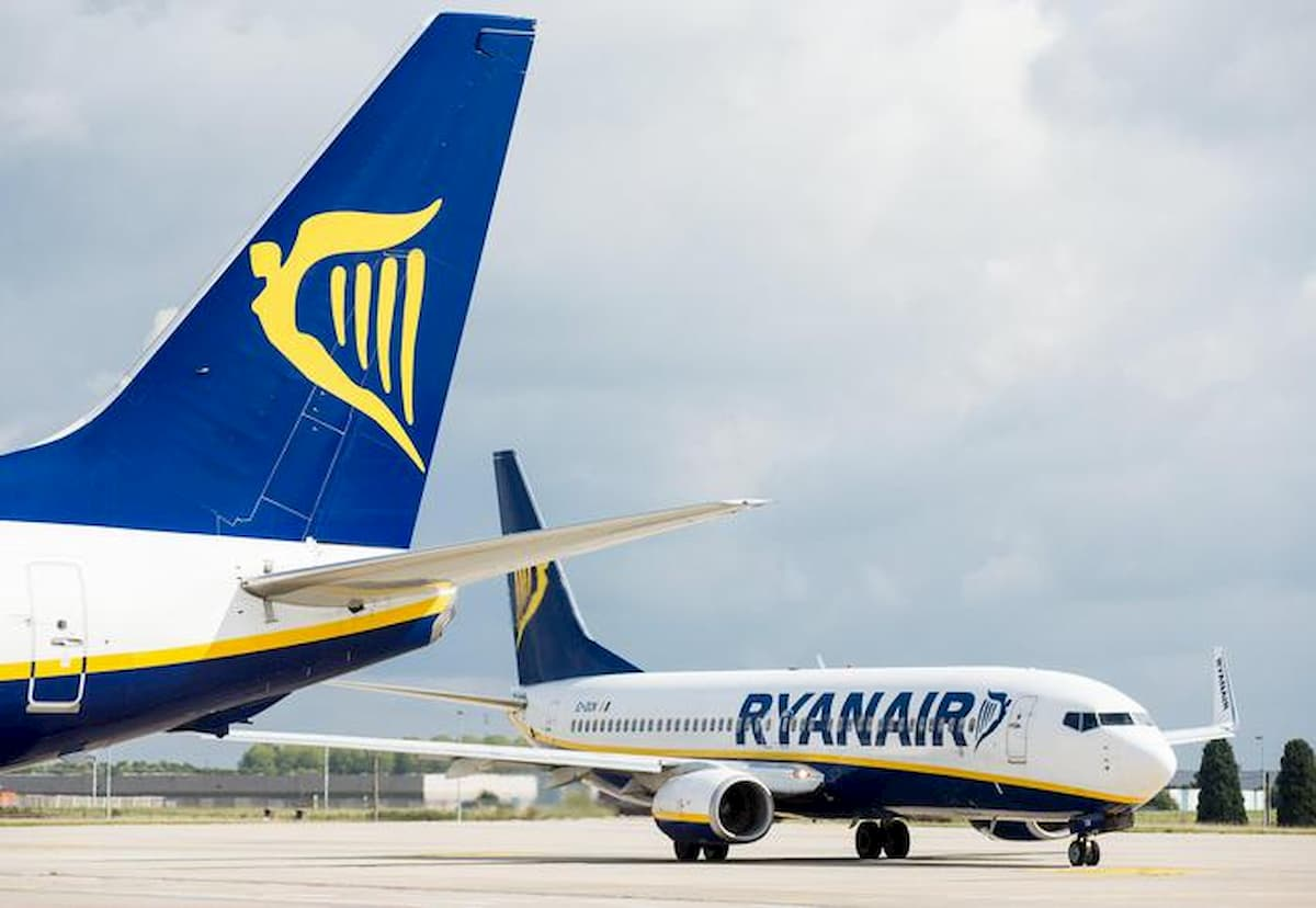 """Ryanair. """"Posti vuoti? Idiozia, così non voliamo più. Li paghi lo Stato"""""""