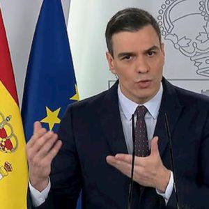 Coronavirus, la Spagna proroga di nuovo il lockdown fino al 9 maggio. Ma dal 27 aprile bambini liberi