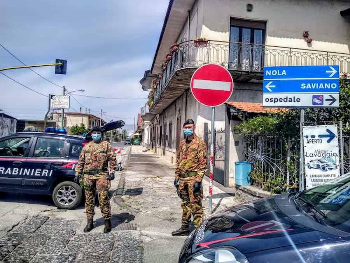 """Saviano (Napoli), c'erano anche altri sindaci. De Luca: """"E io vi faccio zona rossa"""""""