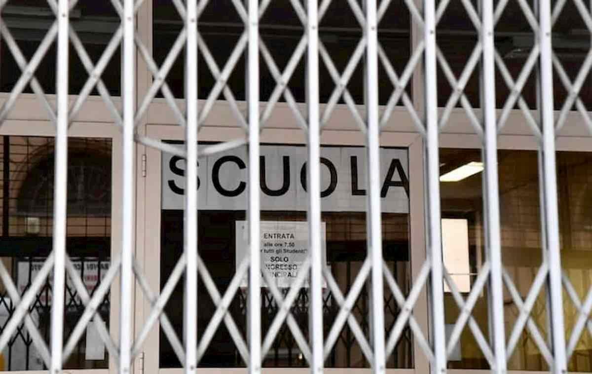 Prima Scuola chiusa per Covid a Verbania. Prima dell'inizio della scuola...
