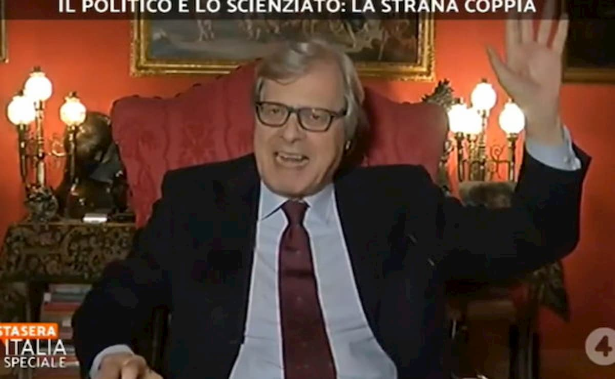 """Sgarbi contro Walter Ricciardi: """"Sia maledetto, il coronavirus morirà"""""""