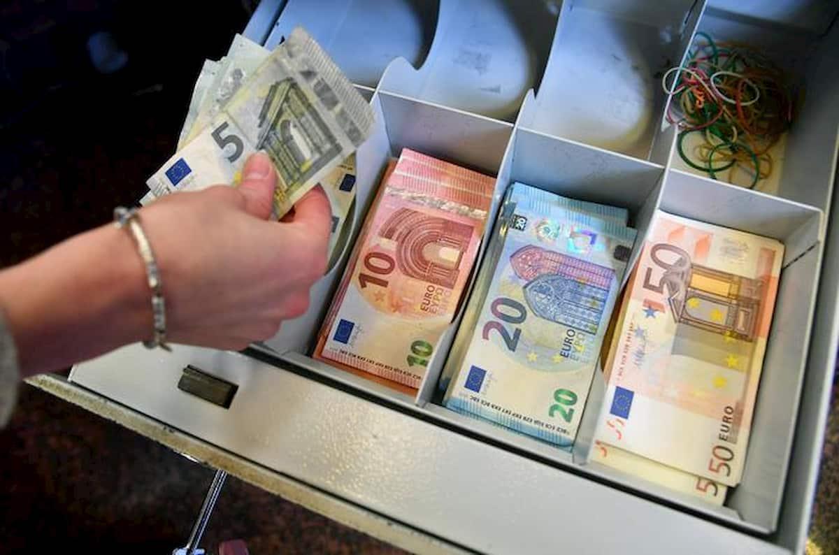 Prestiti alle aziende, ma servono anche soldi a fondo perduto