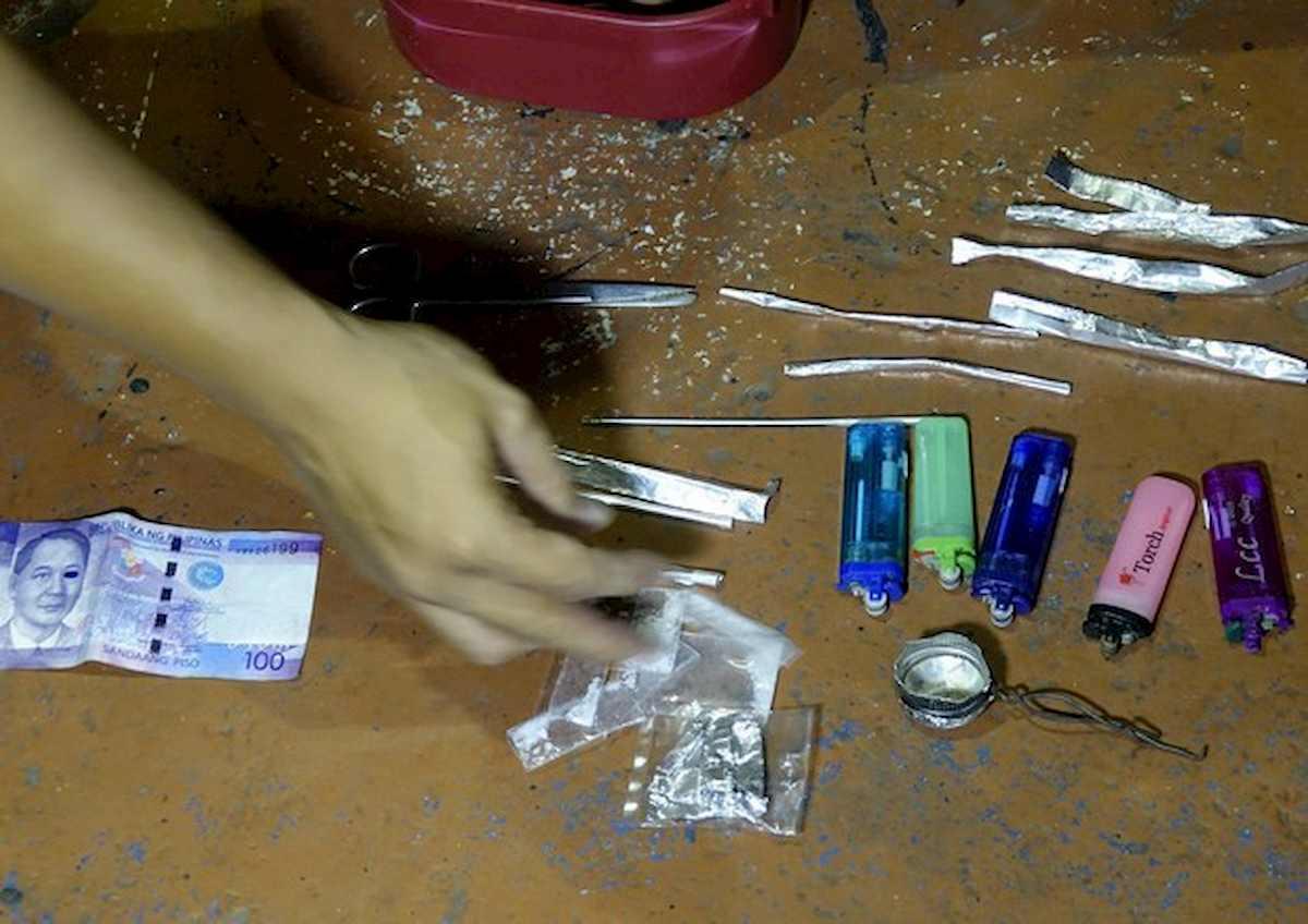 Coronavirus cambia mercato della droga: cala spaccio in strada, cresce dal web