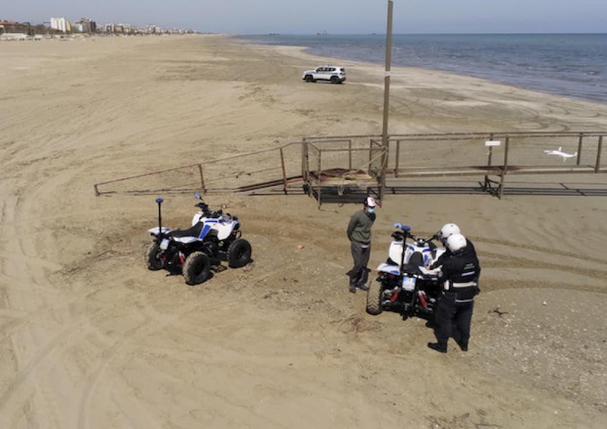 Coronavirus, in Abruzzo in spiaggia con prenotazione via app. Anche nelle libere