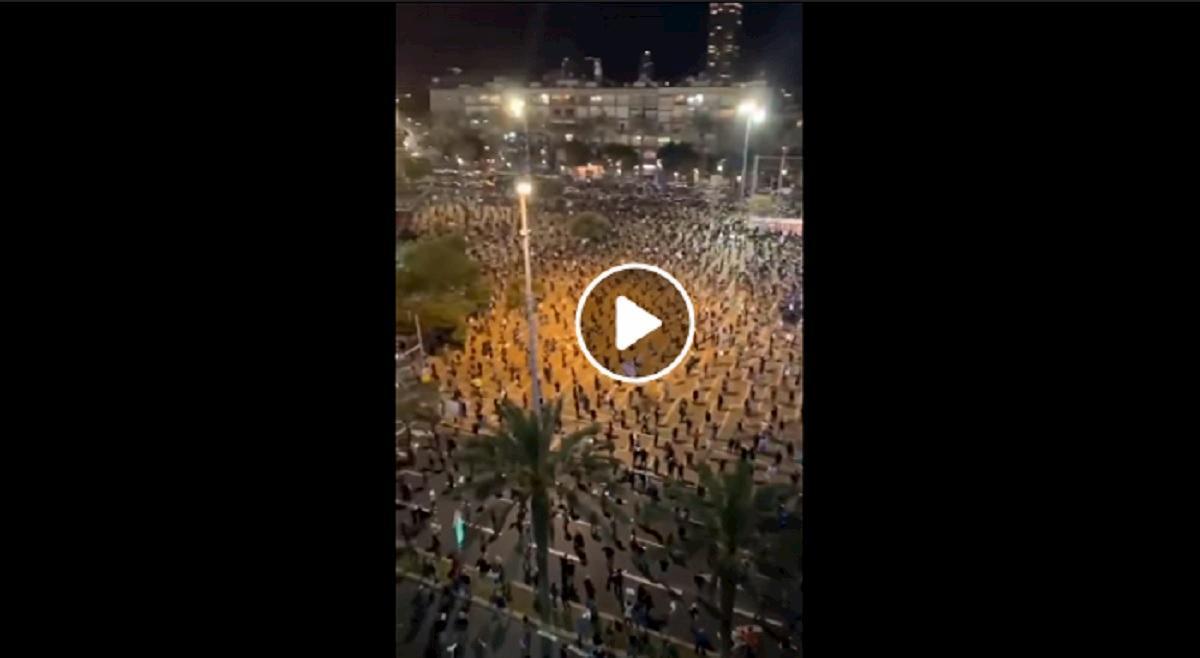 tel aviv manifestazione in piazza