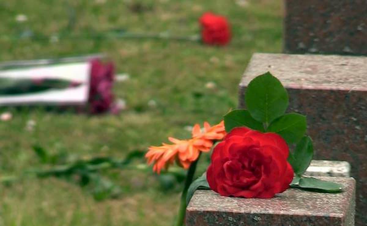 Milano come New York: la fossa comune al campo 47 del cimitero Maggiore