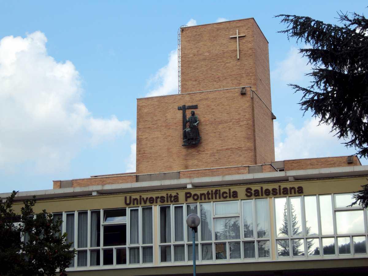 Roma, focolaio all'Università Pontificia Salesiana: 20 positivi al coronavirus