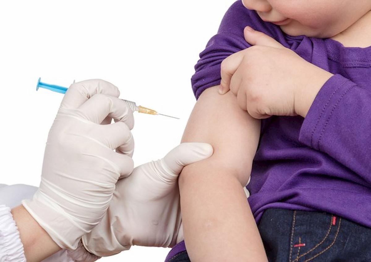 Coronavirus, vaccini influenzali obbligatori da ottobre anche per i bambini. Brusaferro approva