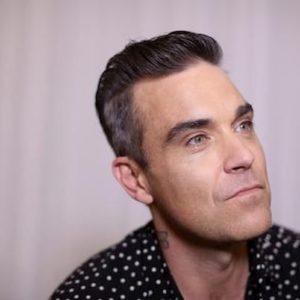 """Coronavirus, Robbie Williams: """"Io, in isolamento in un Airbnb per non contagiare la mia famiglia"""""""