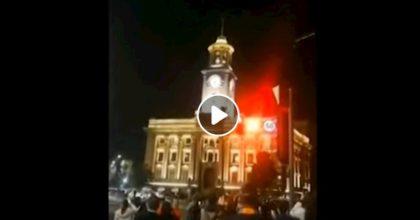 Wuhan, i rintocchi dell'orologio segnalano la fine del lockdown