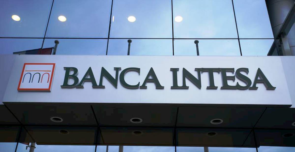 Banca Intesa Sanpaolo, nuove assunzioni di diplomati e laureati: le figure ricercate