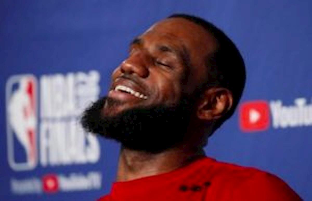 """LeBron James: """"Michael Jordan? Per me è stato sempre un Black Jesus"""""""