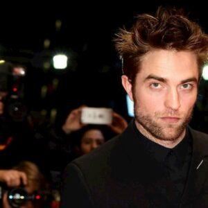 Robert Pattinson in auto isolamento a Londra con Suki Waterhouse