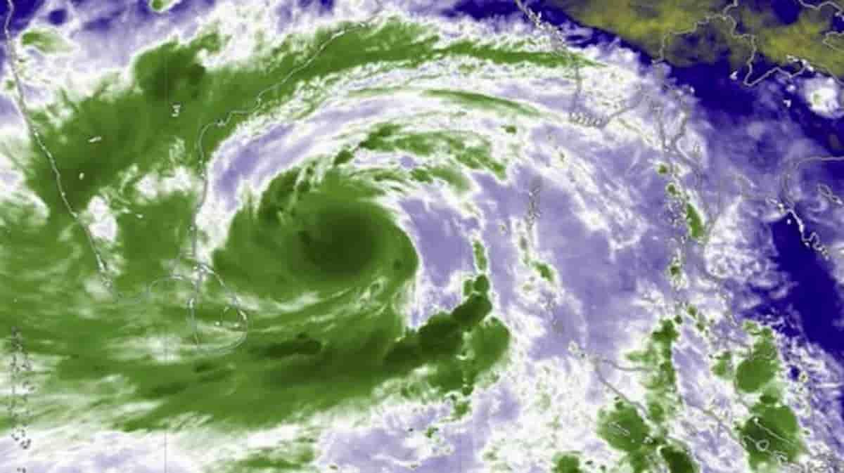 Amphan, il super ciclone sta per toccare India e Bangladesh: raffiche fino a 190 km orari