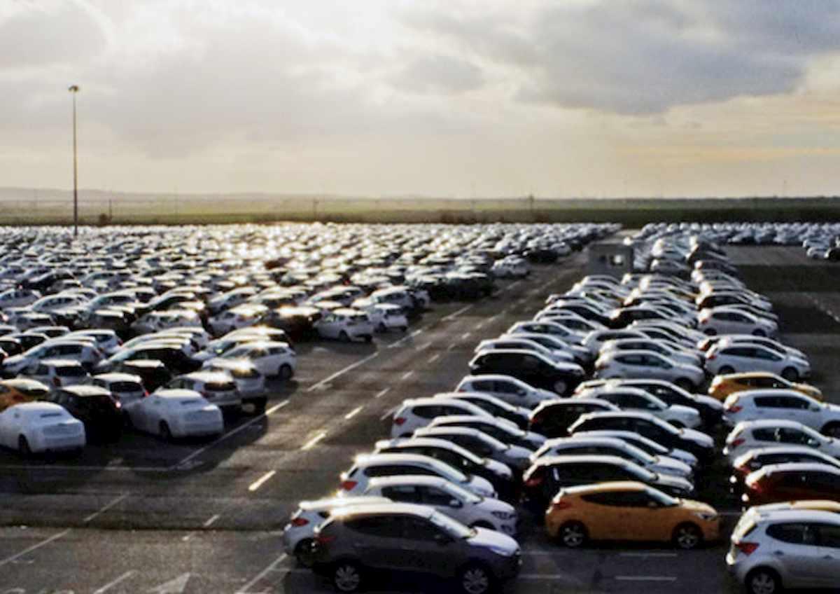 Auto, coronavirus affonda il mercato. Congresso Usa pensa ad aiuti per il settore