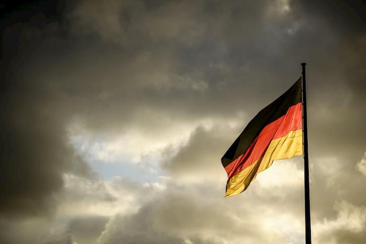 La Corte tedesca contro il bazooka di Draghi: minaccia l'indipendenza Bce, umilia la giustizia europea
