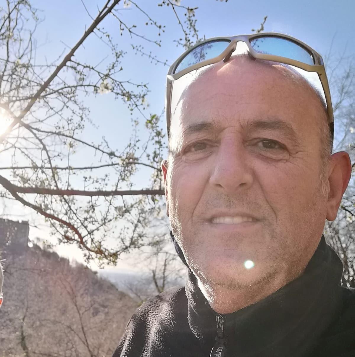 """Silvia, Romano, il consigliere Nico Basso: """"Impiccatela"""". Inchiesta su insulti e minacce social"""