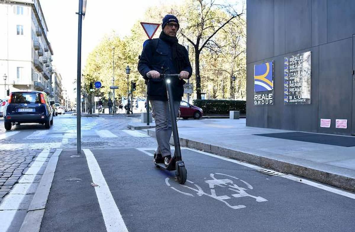 Bonus bici (e monopattini, hoverboard...) da 500 euro: come si riscuote. Due le opzioni