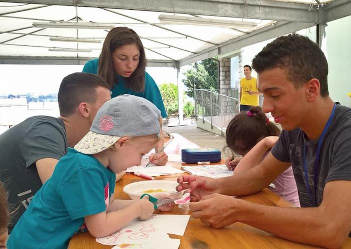 Dl Rilancio: bonus baby sitter raddoppiato a 1200 euro, proroga Cig 12 settimane