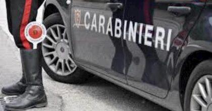 Pontedera, fermato in auto trascina il carabiniere che tenta di aprire la portiera