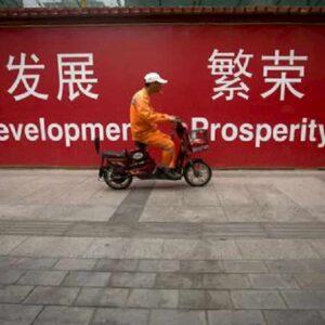 Economia. Cina alla conquista del mondo. Imprese italiane con le mani legate