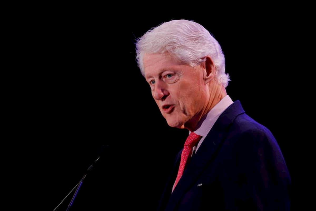 """Bill Clinton, testimone: """"Era nella villa dei festini di Jeffrey Epstein a Little St James"""""""