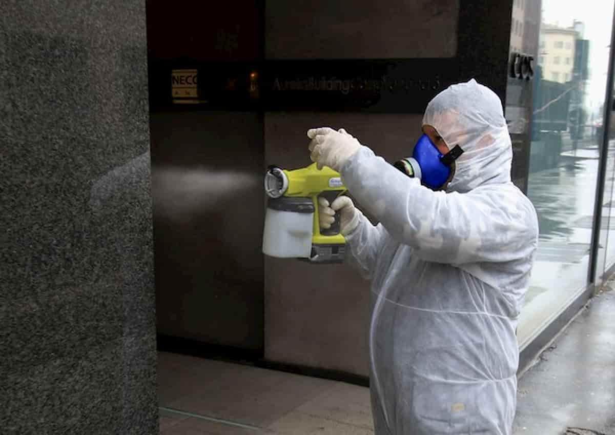 Coronavirus: contagio in ufficio è infortunio sul lavoro (Inail). Ma la responsabilità del datore è un'altra cosa