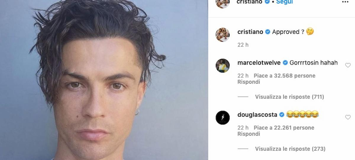 """Cristiano Ronaldo torna al look di 17 anni fa, poi scrive su Instagram: """"Lo approvate?"""""""