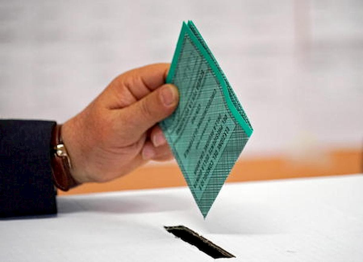 Elezioni. Poliziotti candidati seriali, obiettivo l'aspettativa elettorale retribuita