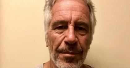 Jeffrey Epstein è stato ucciso in carcere? L'avvocato e la tesi dell'osso rotto del collo