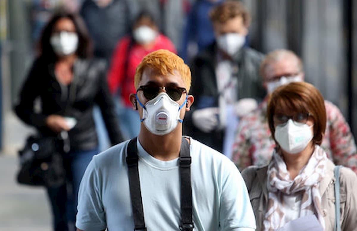 """Coronavirus, studio cinese mette in guardia l'Italia: """"Prematura la riapertura"""""""