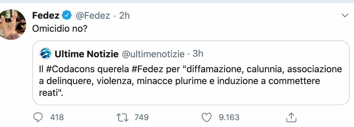 """Codacons denuncia Fedez per la raccolta fondi su Gofundme. Il rapper: """"Sono basito"""""""