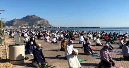 Eid al-Fitr col coronavirus, oggi i musulmani festeggiano la fine del Ramadan a distanza