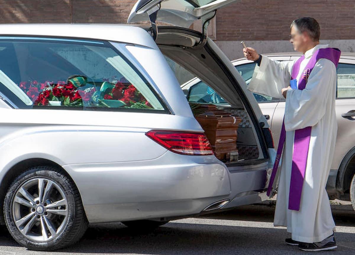 Funerali focolai: due funzioni, 90 nuovi casi di contagio