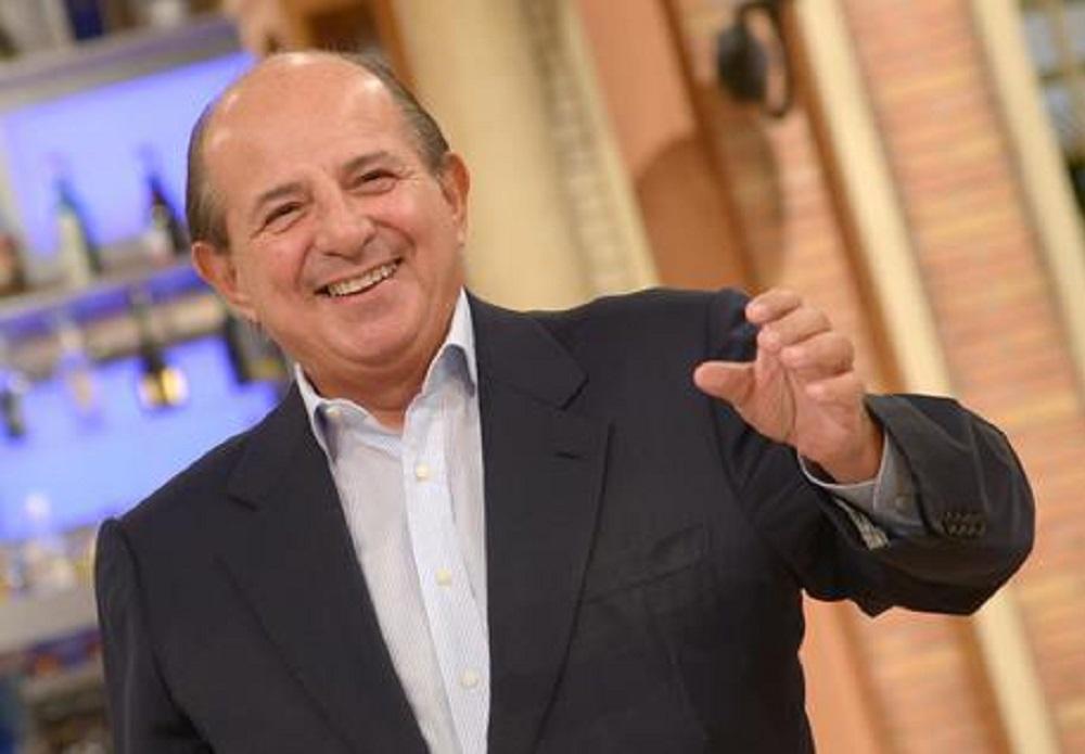 """Paolo Fox torna a """"I Fatti Vostri"""". Magalli, battuta infelice: """"In Rai entrano tanti imbecilli"""""""