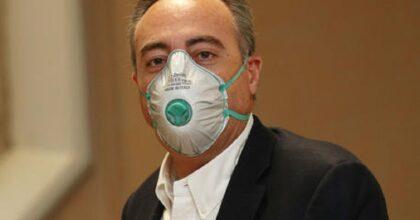 """Giulio Gallera """"spiega"""" il contagio: """"Per infettare me servono 2 infetti"""". Cioè?"""