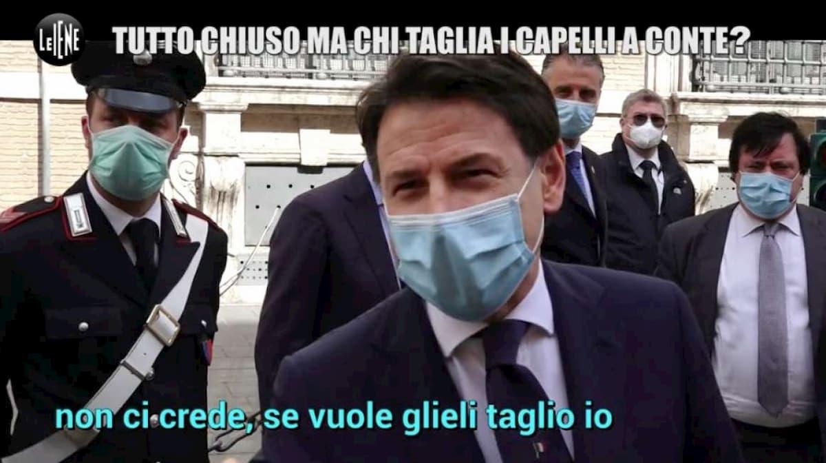 """Giuseppe Conte a Le Iene: """"Mi taglio i capelli da solo"""". Casalino: """"C'ha sta fissa qua"""""""