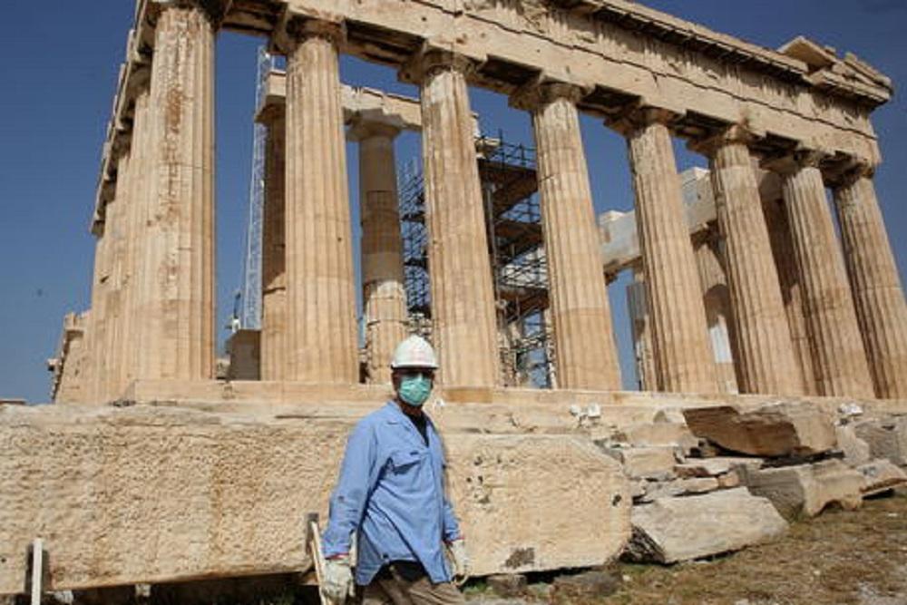 Vacanze in Grecia? Italiani esclusi. Turisti di altri 29 paesi invece possono. Poi a luglio si vedrà