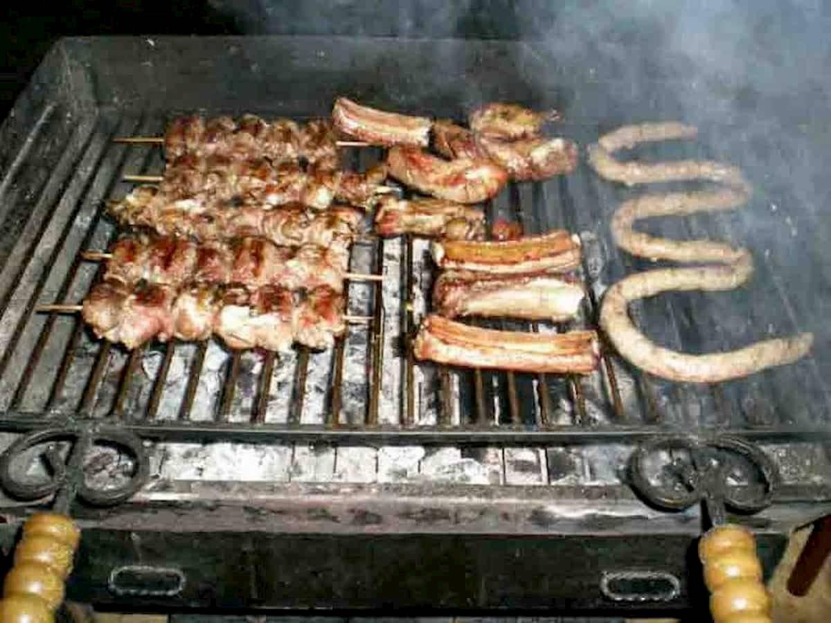 Genova, grigliata sul terrazzo per il 1 maggio: tredici persone multate