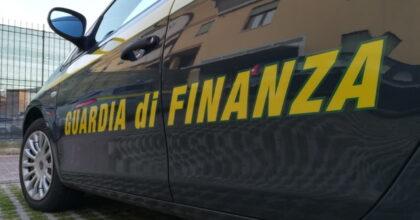 Torino, aggredisce finanzieri durante controllo: denunciato