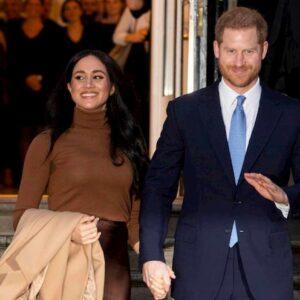 Megxit, è stato Harry a decidere di lasciare la famiglia reale e non Meghan. La biografia che fa infuriare la Regina