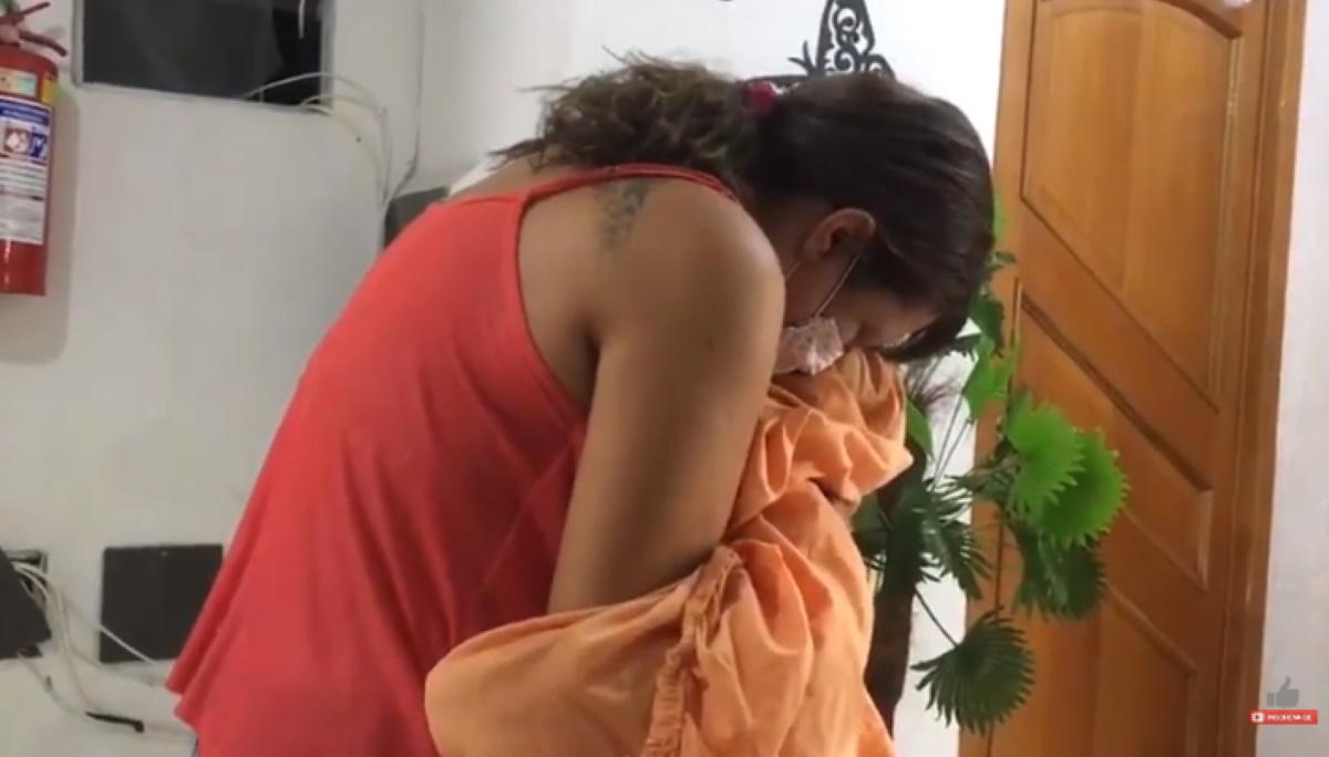 Infermiera covid abbraccia il figlio dopo 25 giorni lontani per il coronavirus
