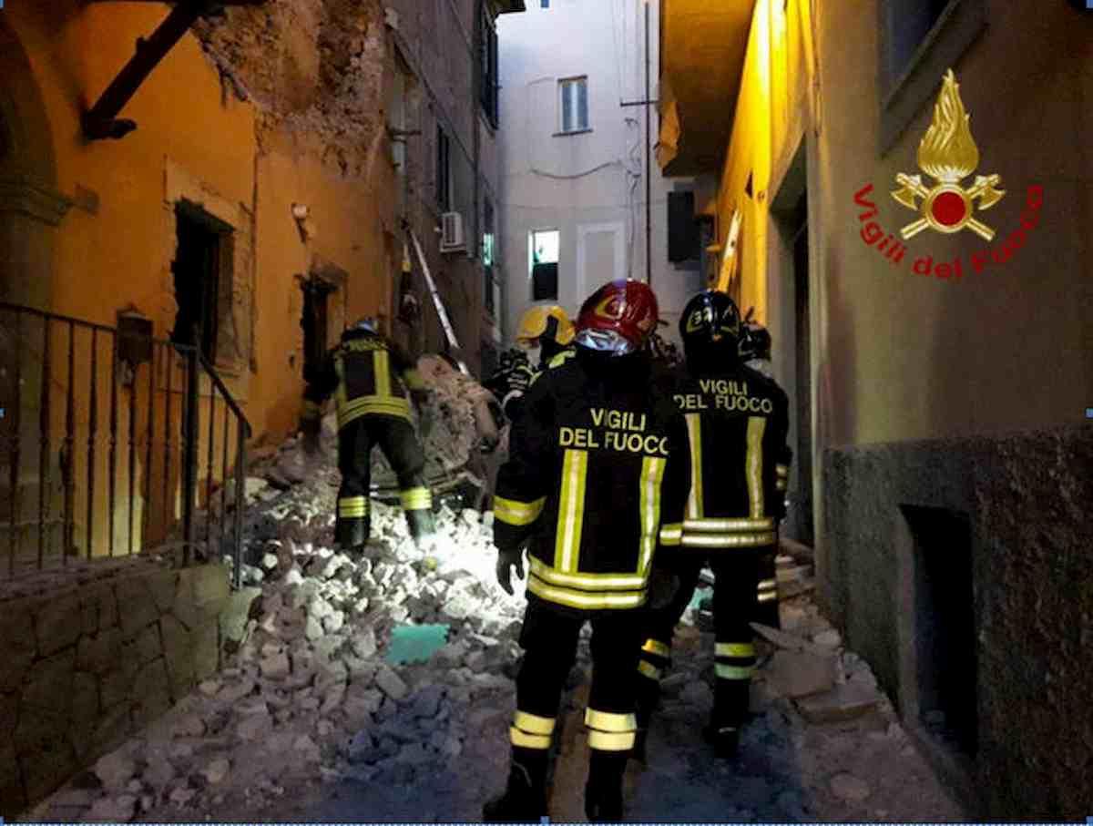 Marino, morta la donna ferita nell'esplosione della palazzina. Forse il suo è stato un gesto volontario