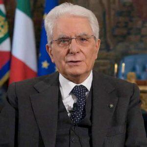 Governo, il bazooka di Sergio Mattarella per raffreddare i bollenti spiriti di Renzi e grillini: le elezioni anticipate