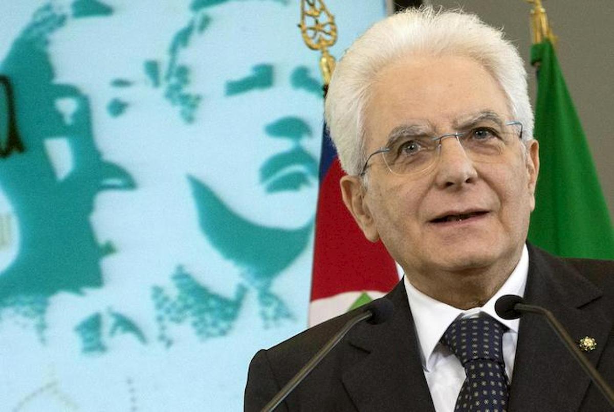 """Strage di Capaci, Mattarella: """"Falcone e Borsellino luci nelle tenebre. Giovani siate fieri del loro esempio"""""""