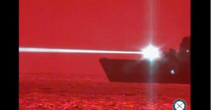 Cannone laser anti-drone: il test della nave della marina Usa