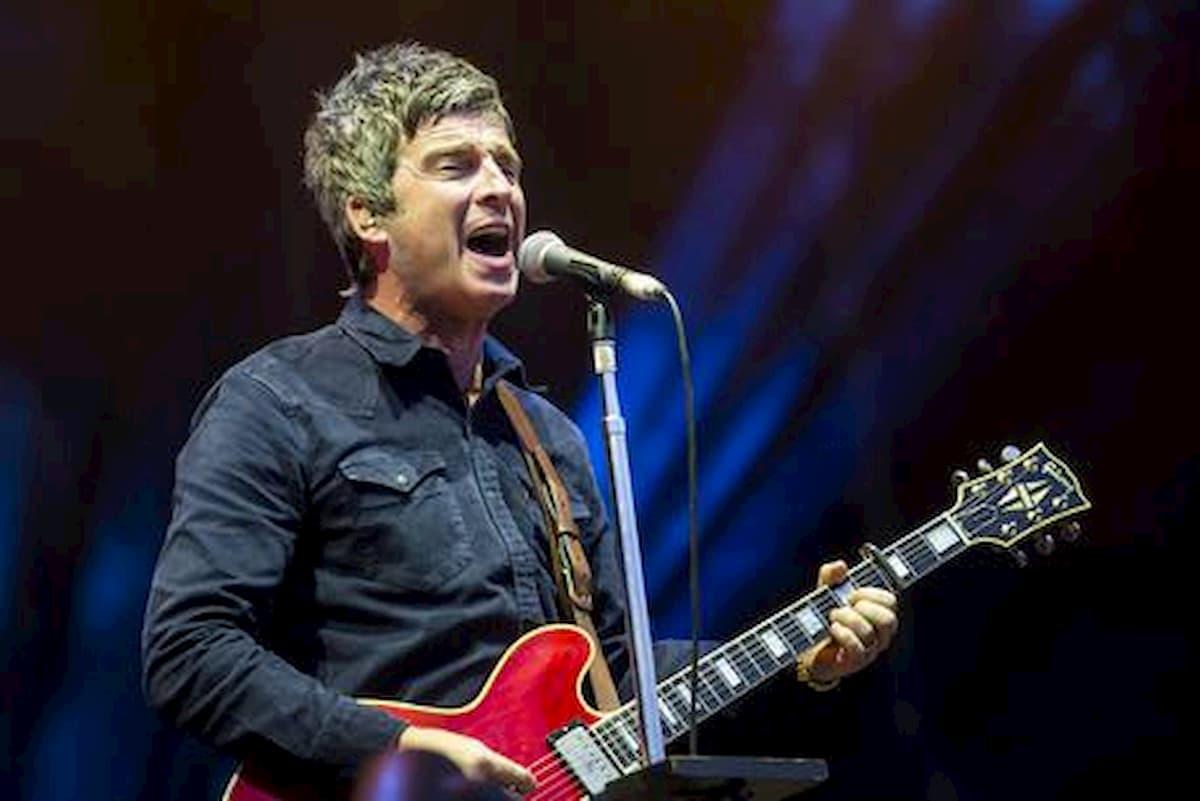 """Noel Gallagher: """"Mangiando dei noodles ho capito che dovevo smettere con la cocaina"""""""