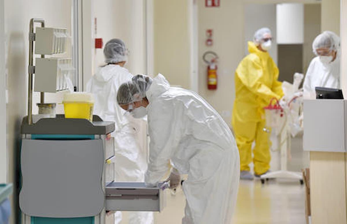 Coronavirus, un operatore sanitario su due ha sintomi da stress post traumatico
