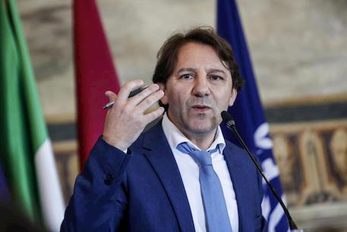 """Tridico: """"Inps sta riempiendo di soldi gli italiani"""". Ira del centrodestra: """"Da ricovero"""""""